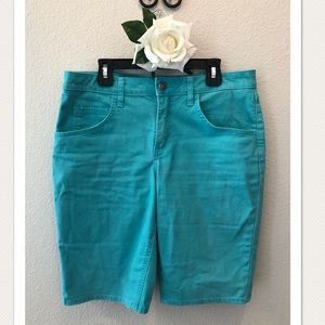 Riders Mid Rise Bermuda shorts!! Good Condition!!